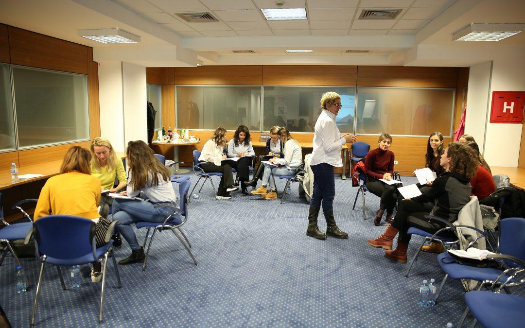 Training: Public relations, presentation skills and business communication